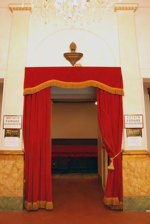galleria immagini cinema teatro dante - ingresso sala